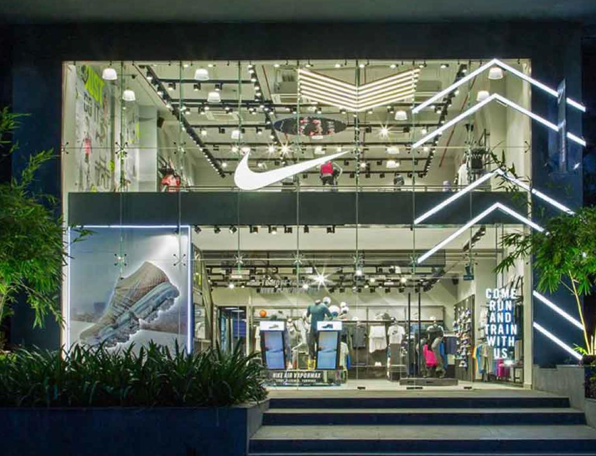 Nike Vapormax Window Display