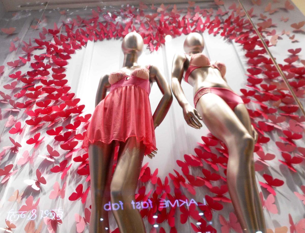 Amante Valentine Window Display