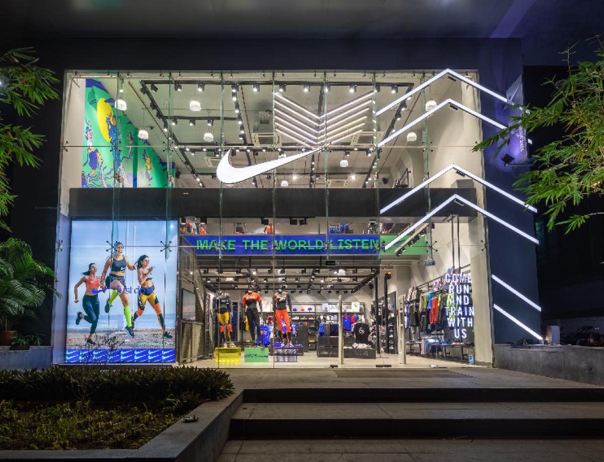 Nike Window DIsplay