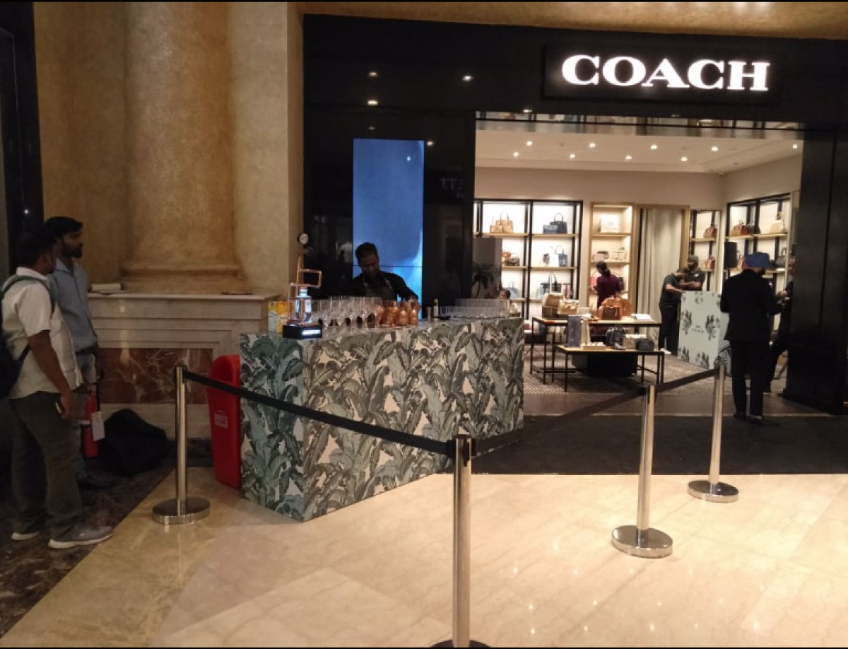 COACH MALL ACTIVATION