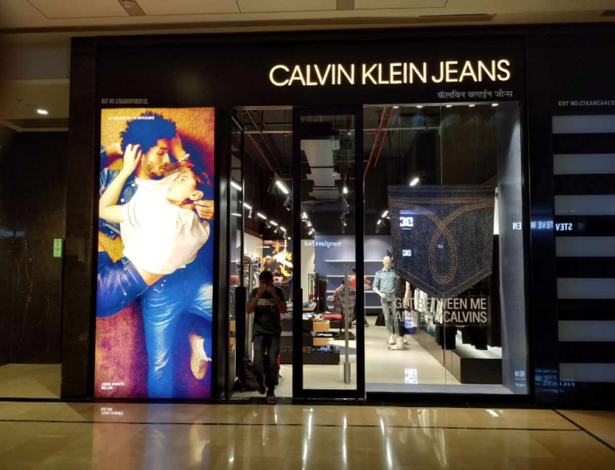 CALVIN KLEIN JEANS WINDOW DISPLAY